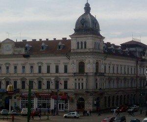 Primăria Arad impune măsuri de protecţie în zona Palatului Neuman