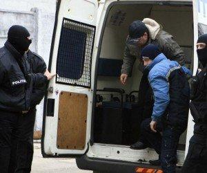 Flagrant! Doi bărbaţi au fost arestaţi pentru trafic de droguri de mare risc