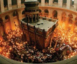 Trei arădeni vor lua Lumina Sfântă de la Ierusalim