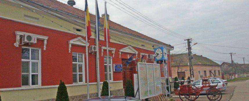 Munca în folosul comunității este acceptată doar pe hârtie de rău-platnicii din Vladimirescu