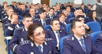 Polițiști bihoreni la o conferință despre tehnici în investigația financiară