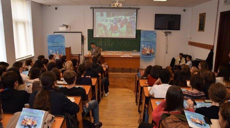 Mii de elevi implicați într-un proiect antidrog