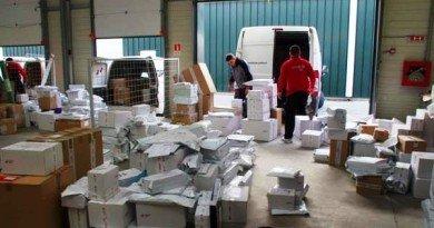 Consumatorii de droguri din Arad primeau cannabis şi etnobotanice prin firme de curierat