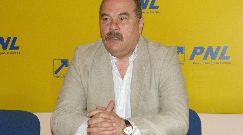 Deputatul Mihăiţă Calimente a plecat din PNL şi vrea să preia conducerea ALDE Arad