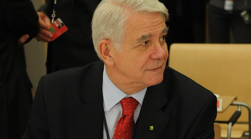 The Minister of Defence of Romania, Teodor Viorel Melescanu
