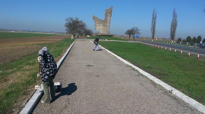 curatenie monument