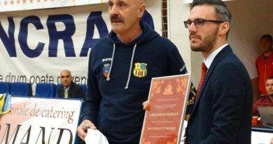 Profesorul Dan Moraru, premiat pentru deceniul petrecut sub panoul gălățean