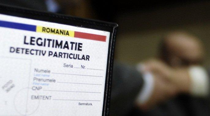 Un numar de 69 de persoane - majoritatea fosti politisti (printre care si fostul chestor Mircea Bot), fosti ofiteri din SRI si MApN - au primit, marti, diplomele de atestare a calitatii de detectiv particular.