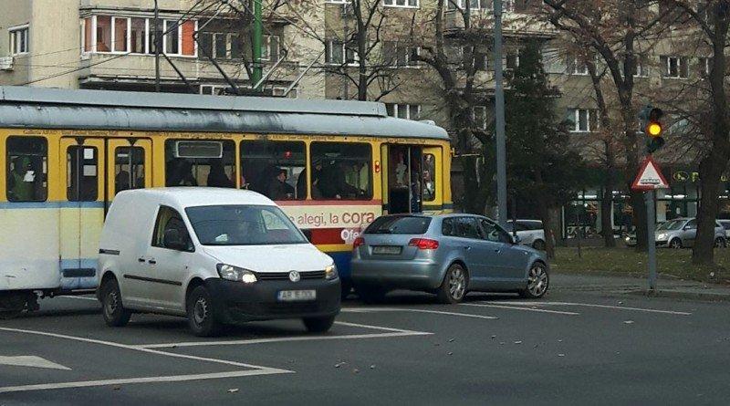pe scurt tramvai