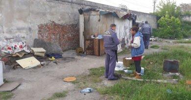 Adăposturile construite  ilegal la IMAR au fost puse la pământ de Poliția Locală