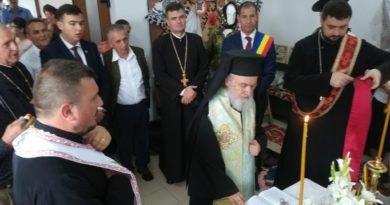 Liturghie arhierească și binecuvântare de lucrări în Parohia Chesinț