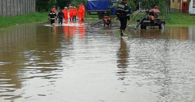 Dezastru la Frumușeni: mai multe gospodării au fost inundate